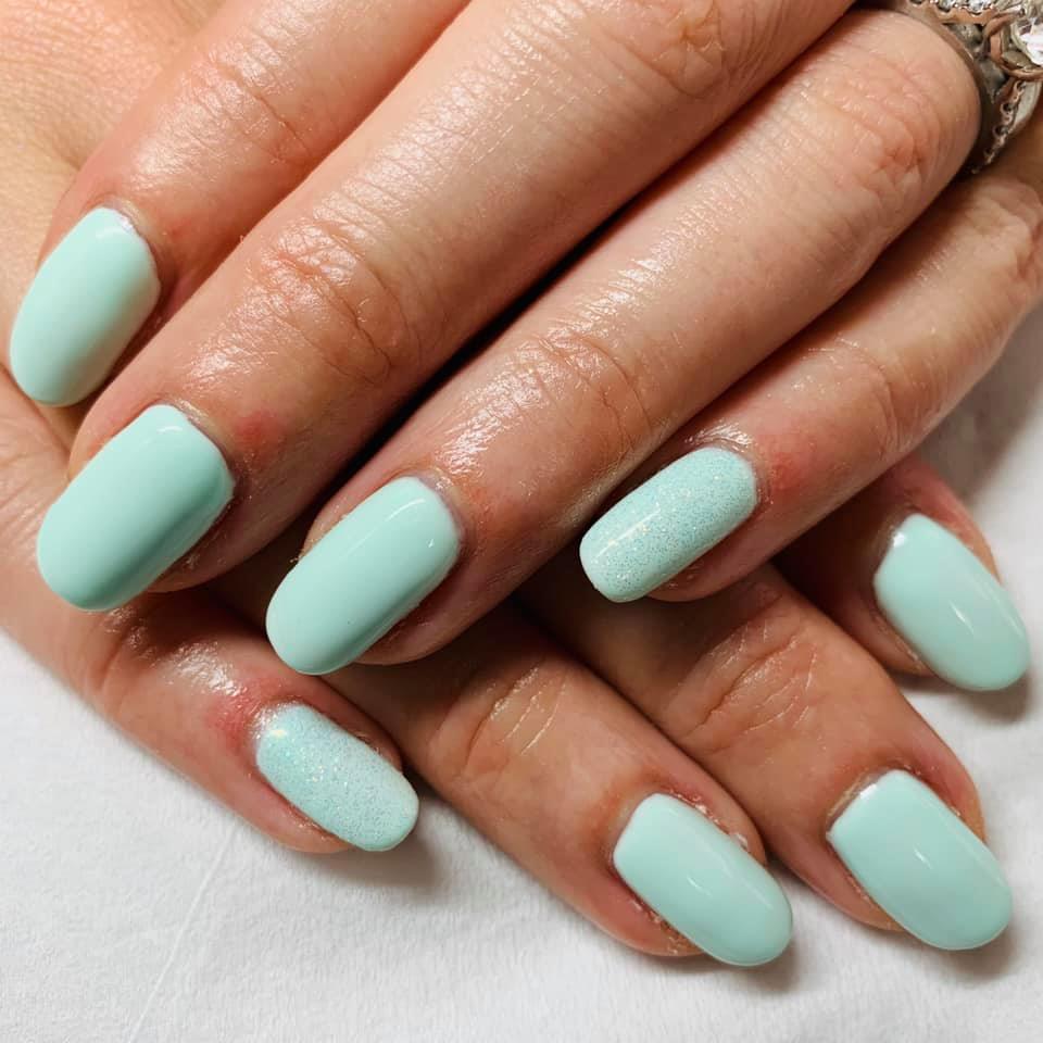 Sunny Day Nails